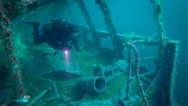 diver-exploring-shipwreck-off-bell-island